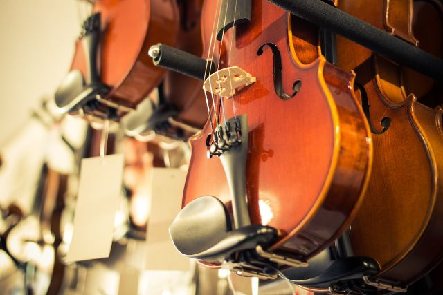 陳列されたバイオリン