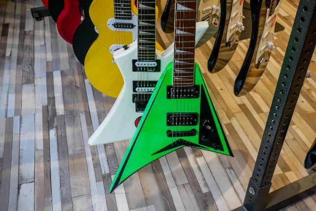 様々な種類のエレキギター